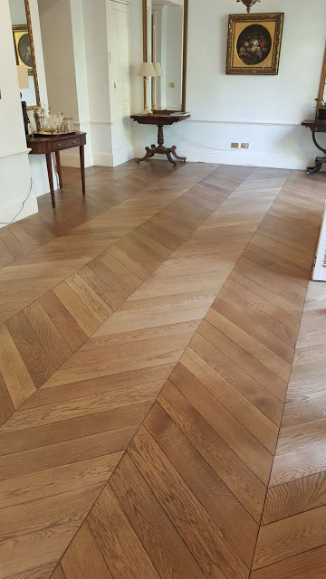 Chevron Parquet- Engineered French Oak 90x600x18