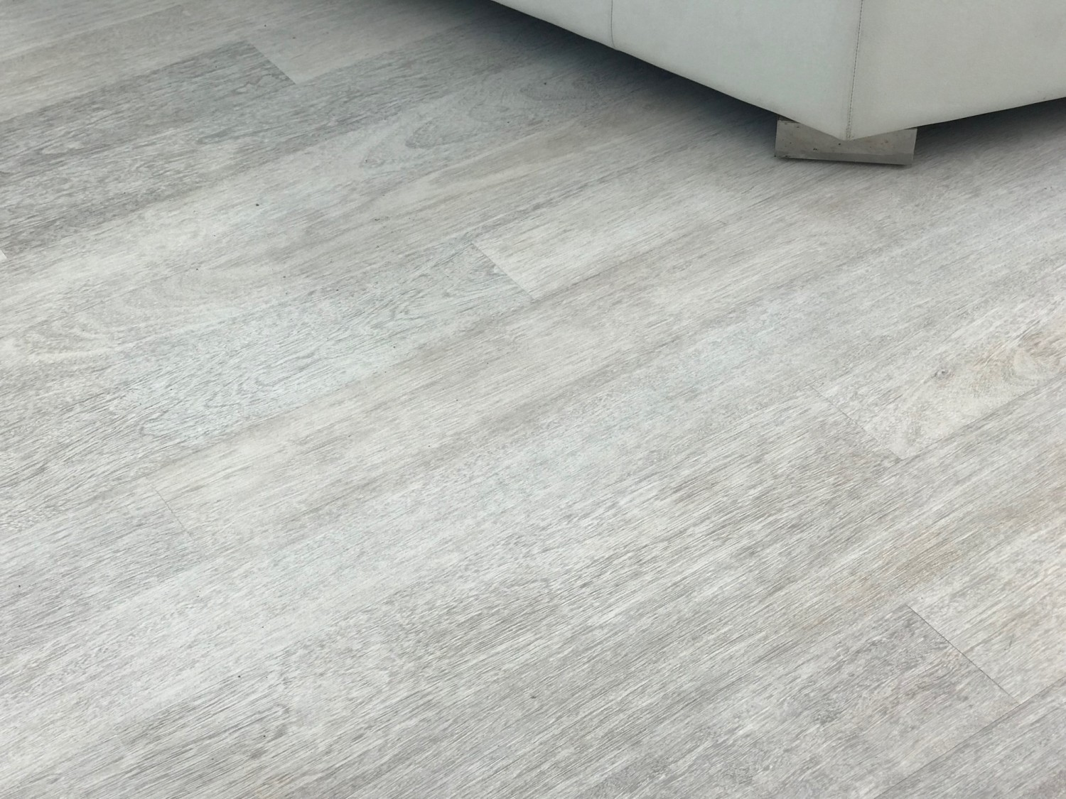 How to Lighten a Merbau floor with bleach.